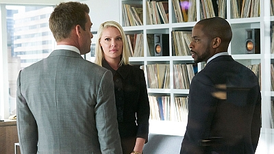 Suits 08x01 : Right-Hand Man- Seriesaddict
